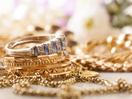 Best Ways to Insure your Engagement Ring, Expensive Jewelry, Collections & Valuables