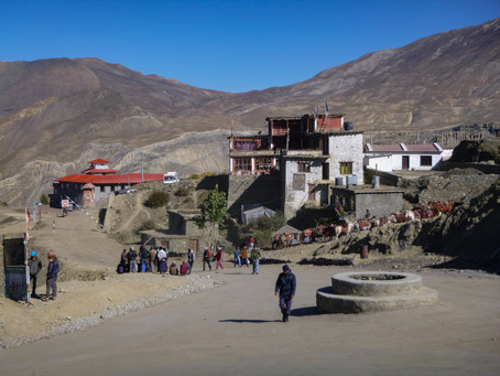 Day 16 - Drive to Jomsom (2760m) - 1hr & Trek to Marpha (2680m) - 1.5hrs