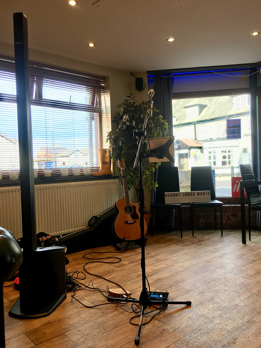 Danny Jones Music Acoustic guitar and Bose PA System at Whitts End Wine and Gin Bar, Hoylake.