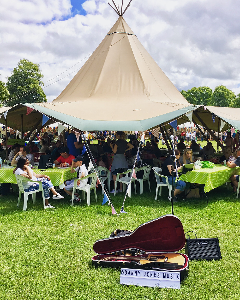 Danny Jones Music busking acoustic covers at Shrewsbury Food Festival