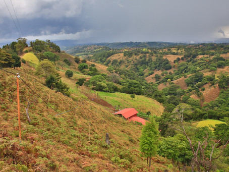 Hiking: Routes on the slopes South of Volcán Poás