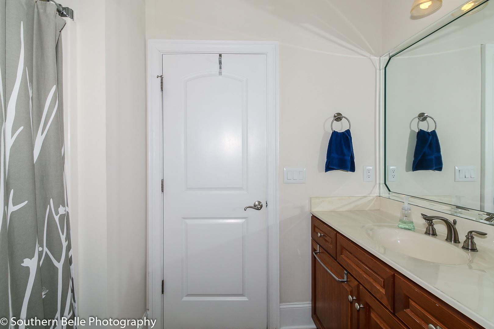 20. Full Bathroom WM
