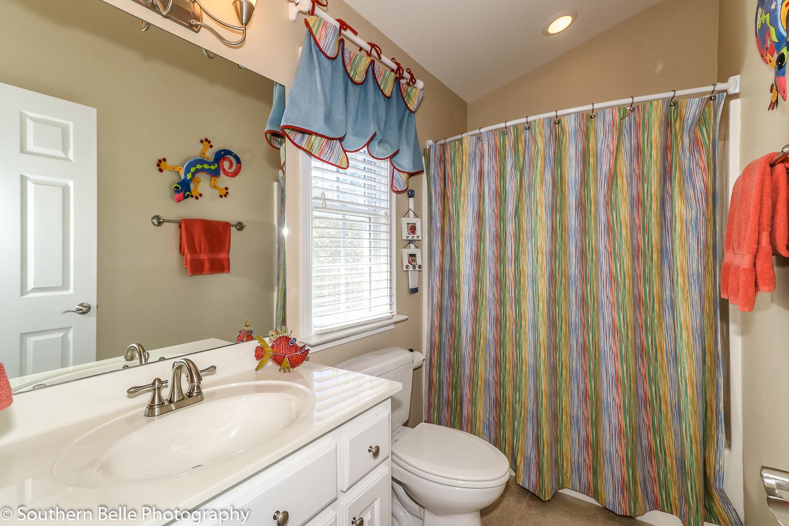 17. Full Bathroom in Bedroom Three WM