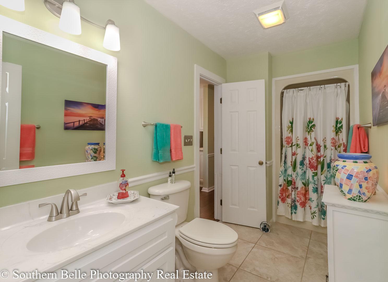 19. Bathroom Main Level WM