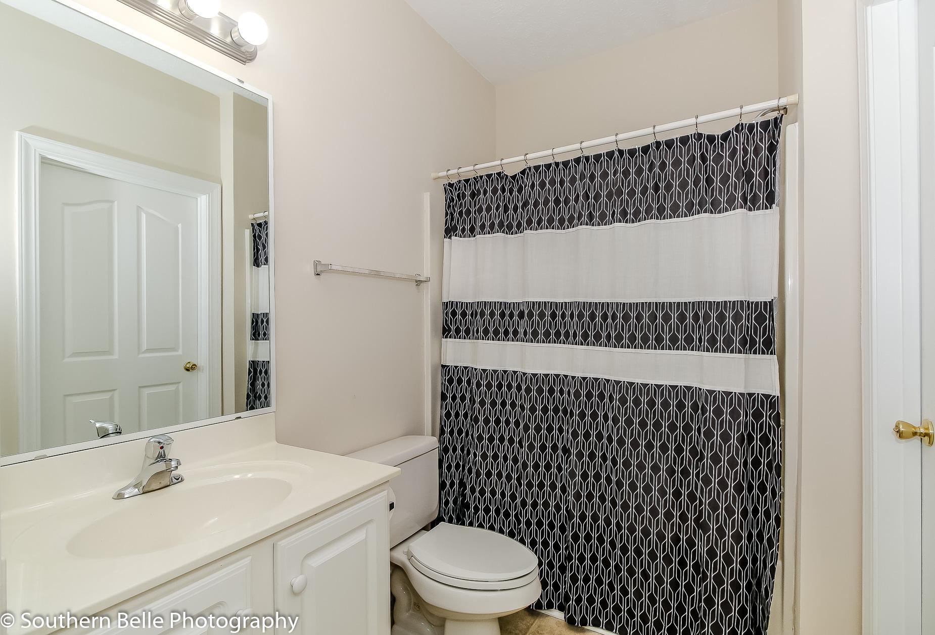 7. Full Bathroom WM