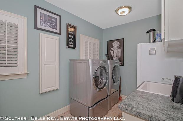 12. Laundry View WM.jpg