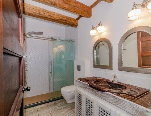 12. Bathroom MLS.jpg