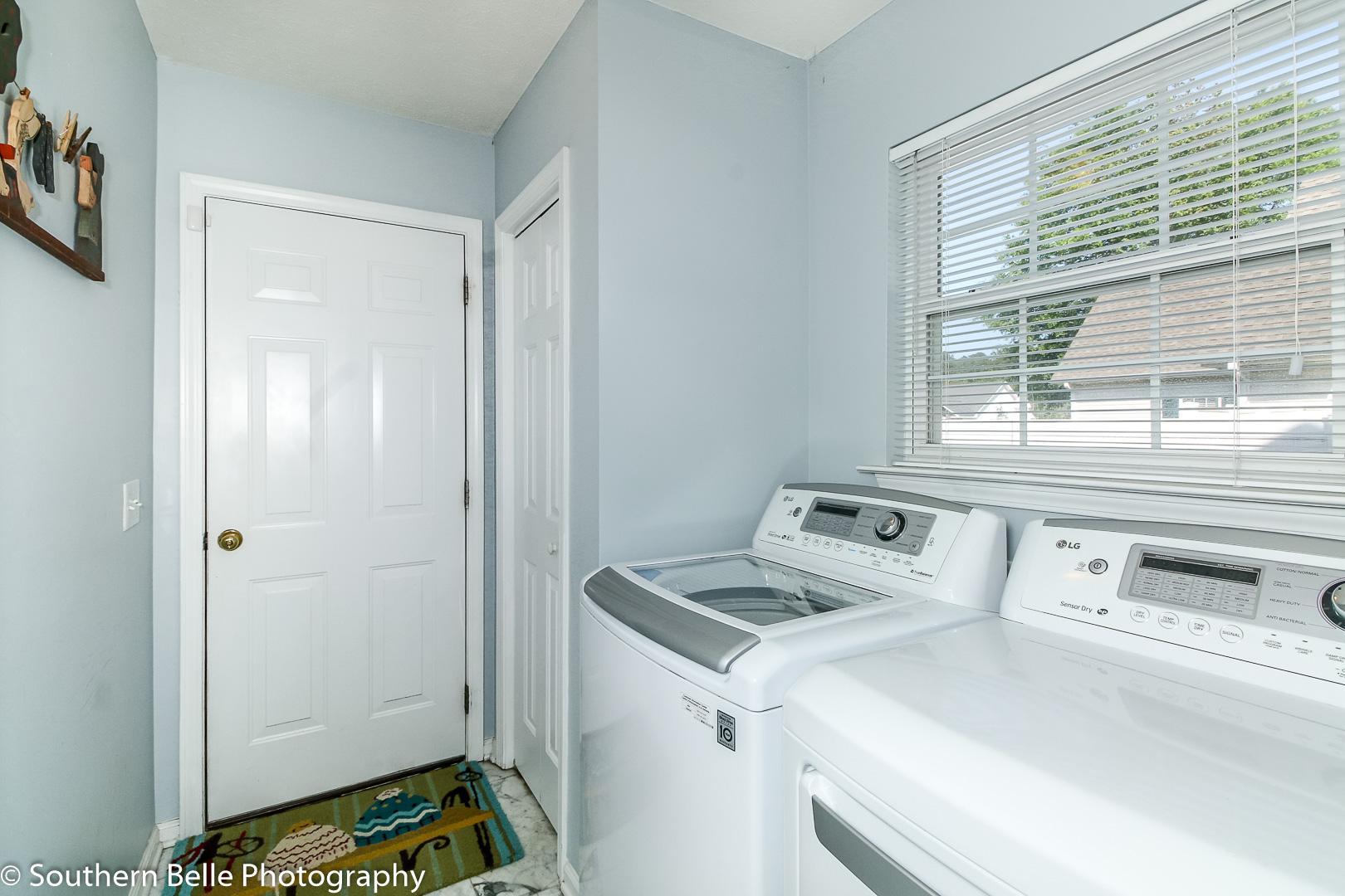 12. Laundry Room WM