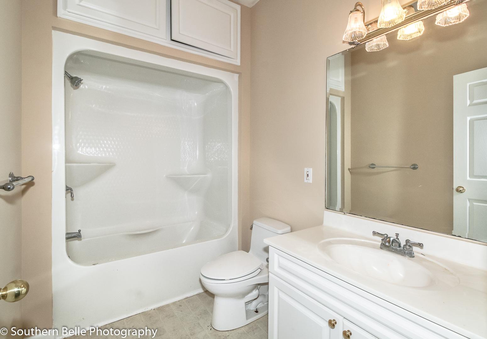 15. Full Bathroom WM