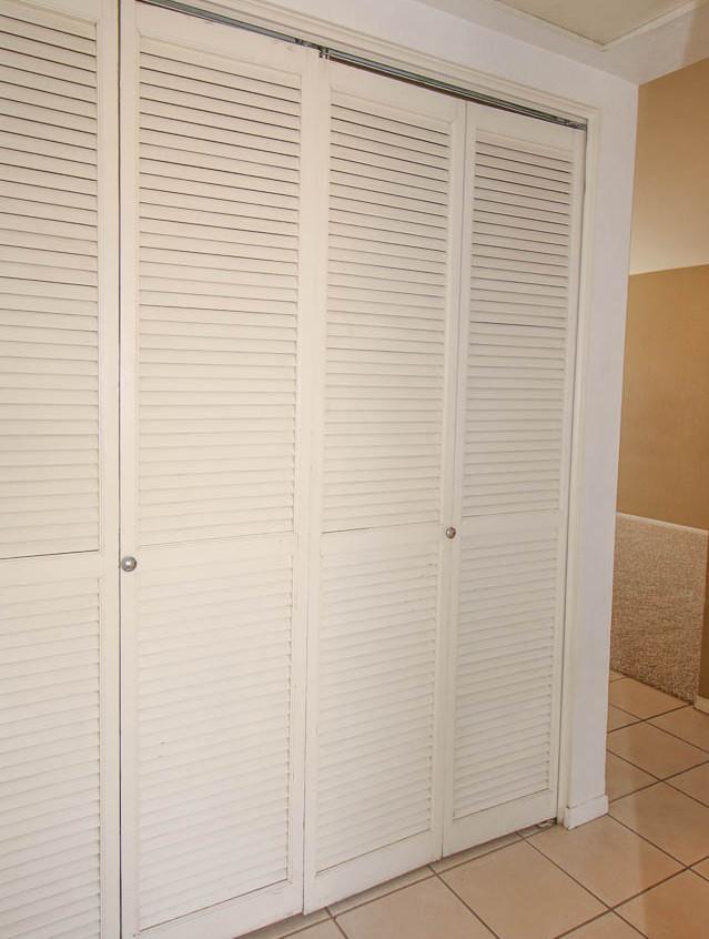 15. Clolset Hallway WM
