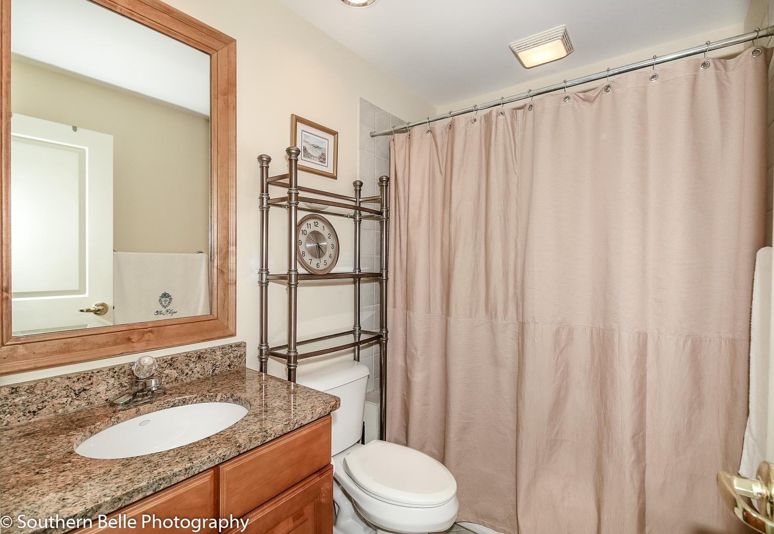 19. Full Bathroom WM