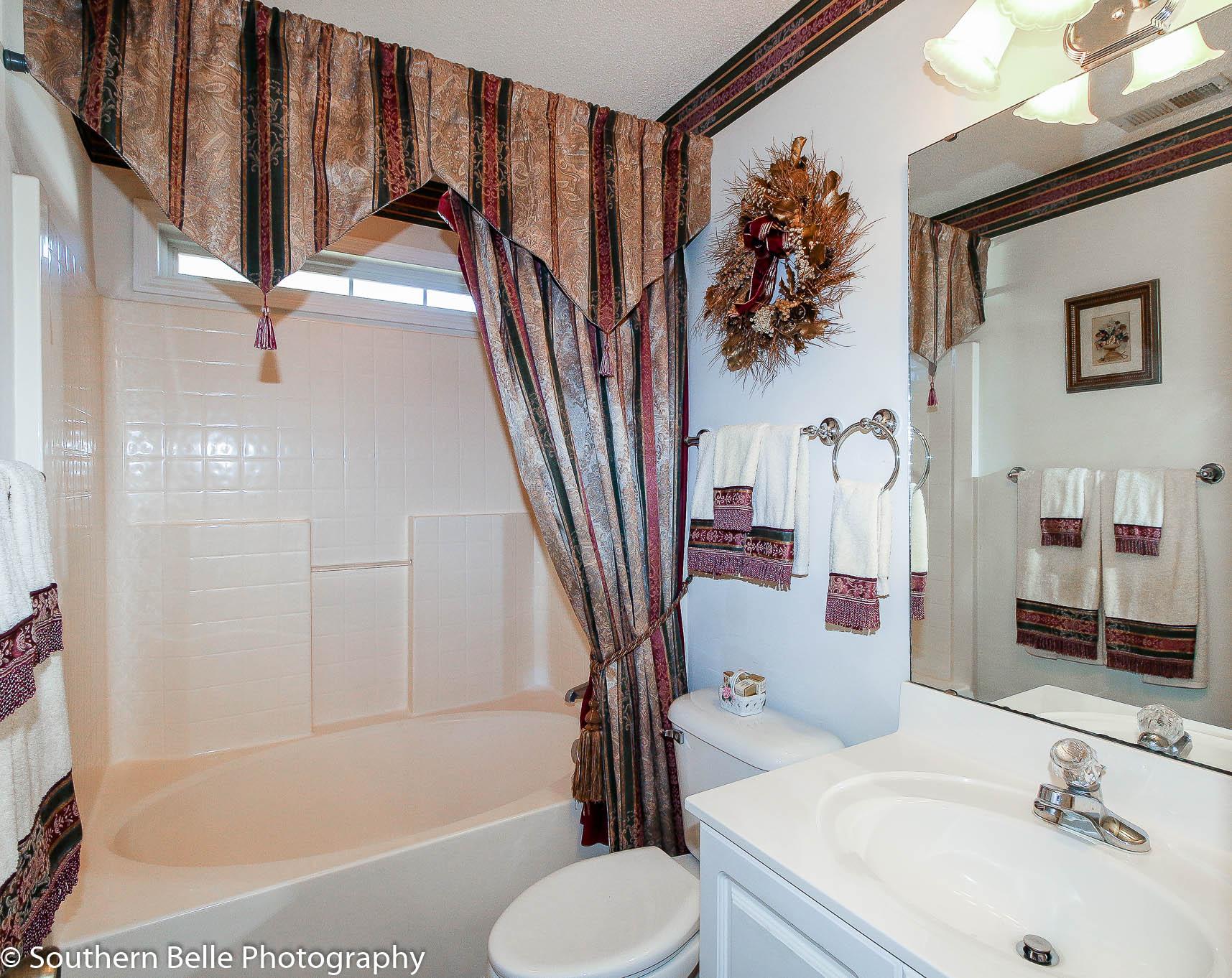 22. Full Bathroom WM