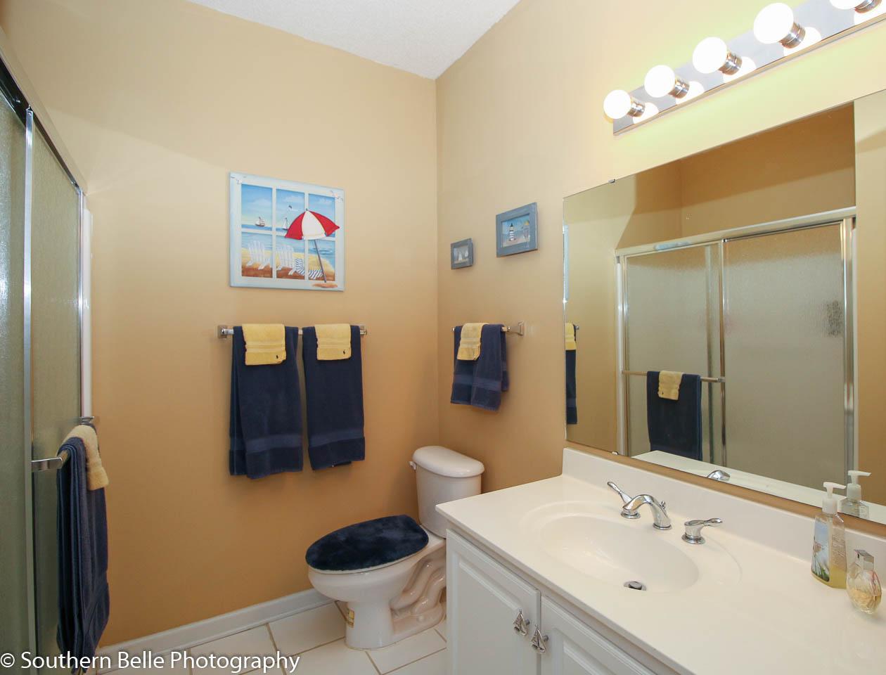 15. Horiz View Master Bath WM