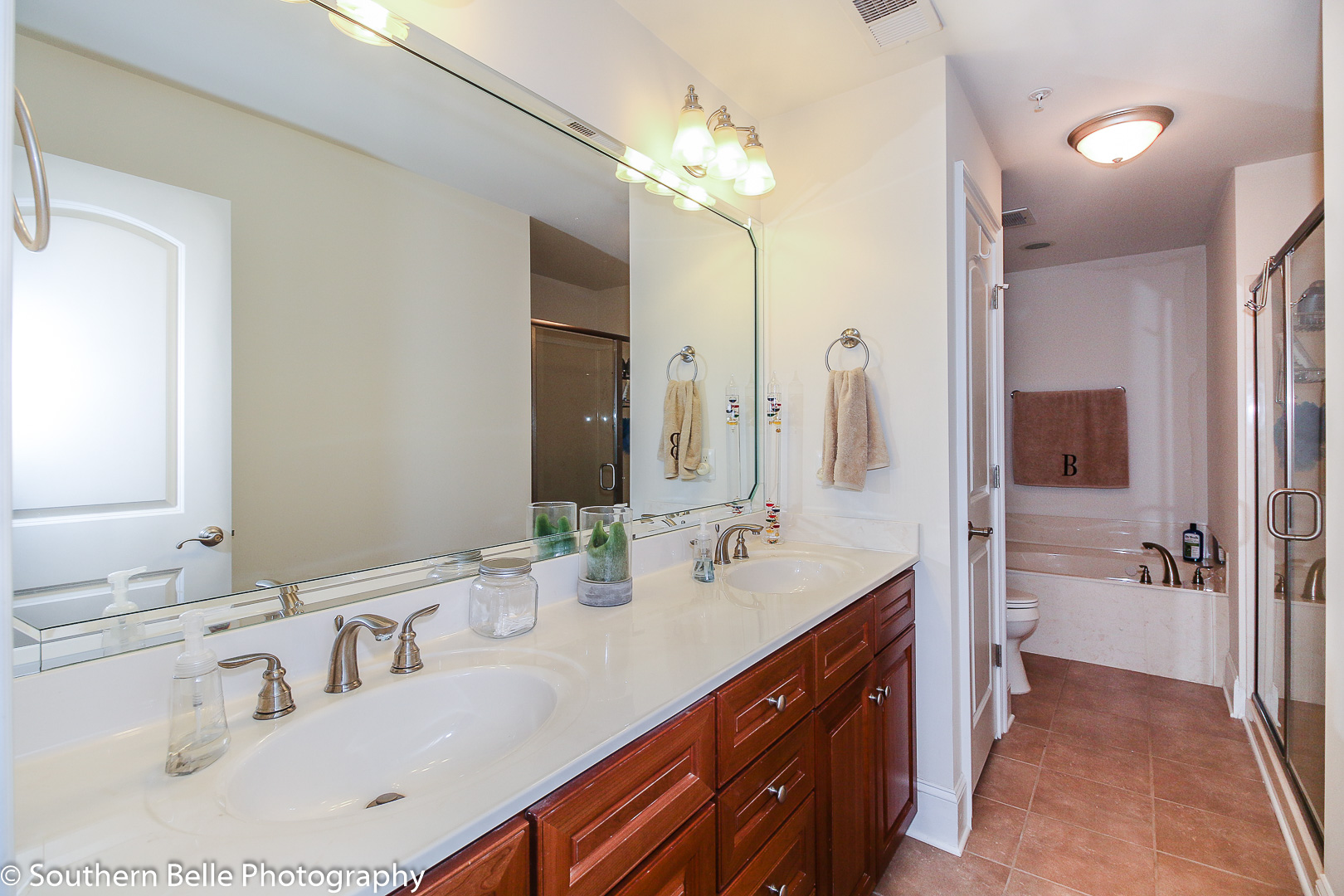 18. Master Bath with Seperate Shower and Tub WM
