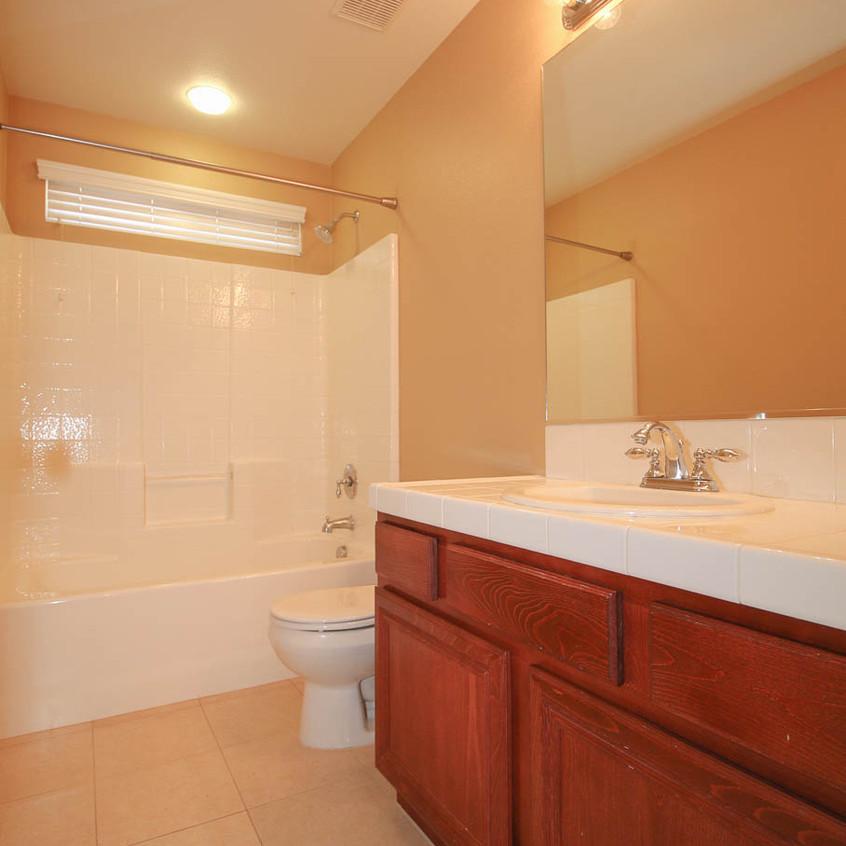 23. Full Bathroom WM