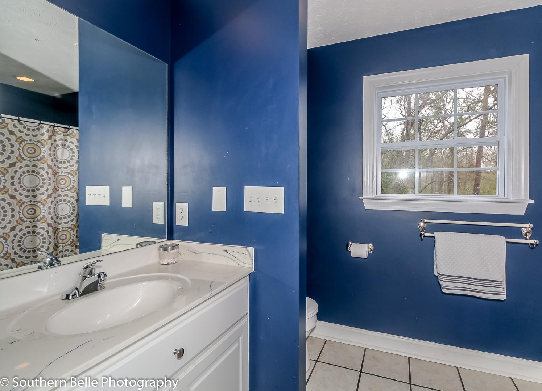 19. Upper Level Full Bathroom Two Vanity Stations WM