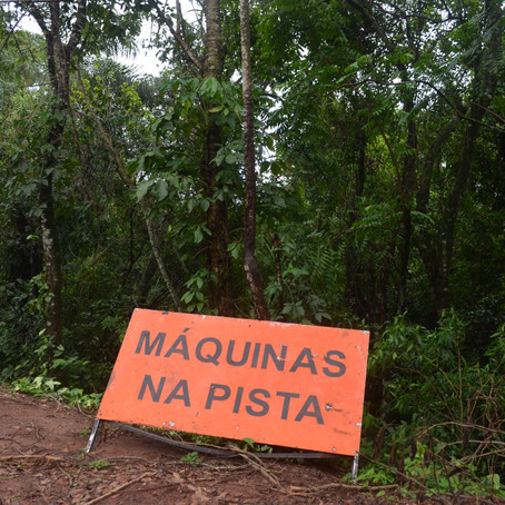 Rio Fantasminha está sendo enterrado