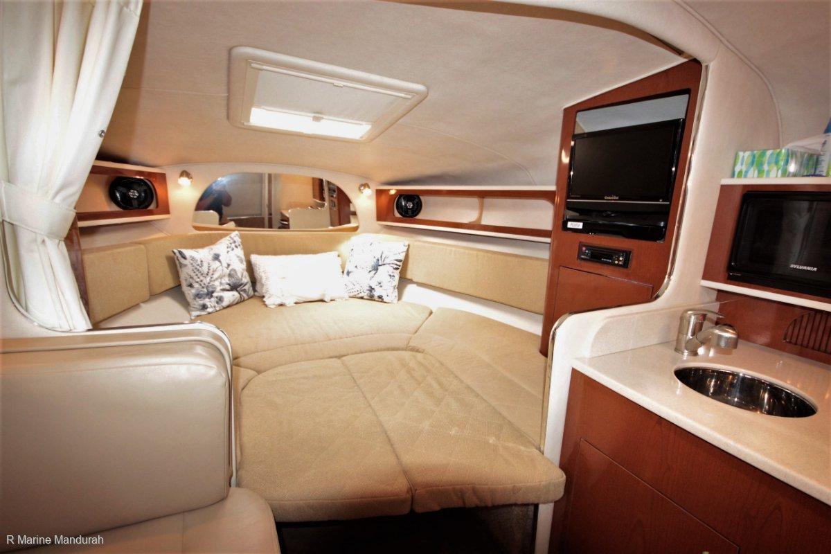 SEARAY 315 Interior 1.jpg