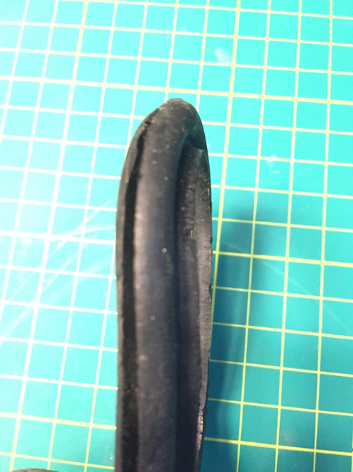 VW Type 2 - Baywindow - Heater Pipe Seal - Oval - RHS