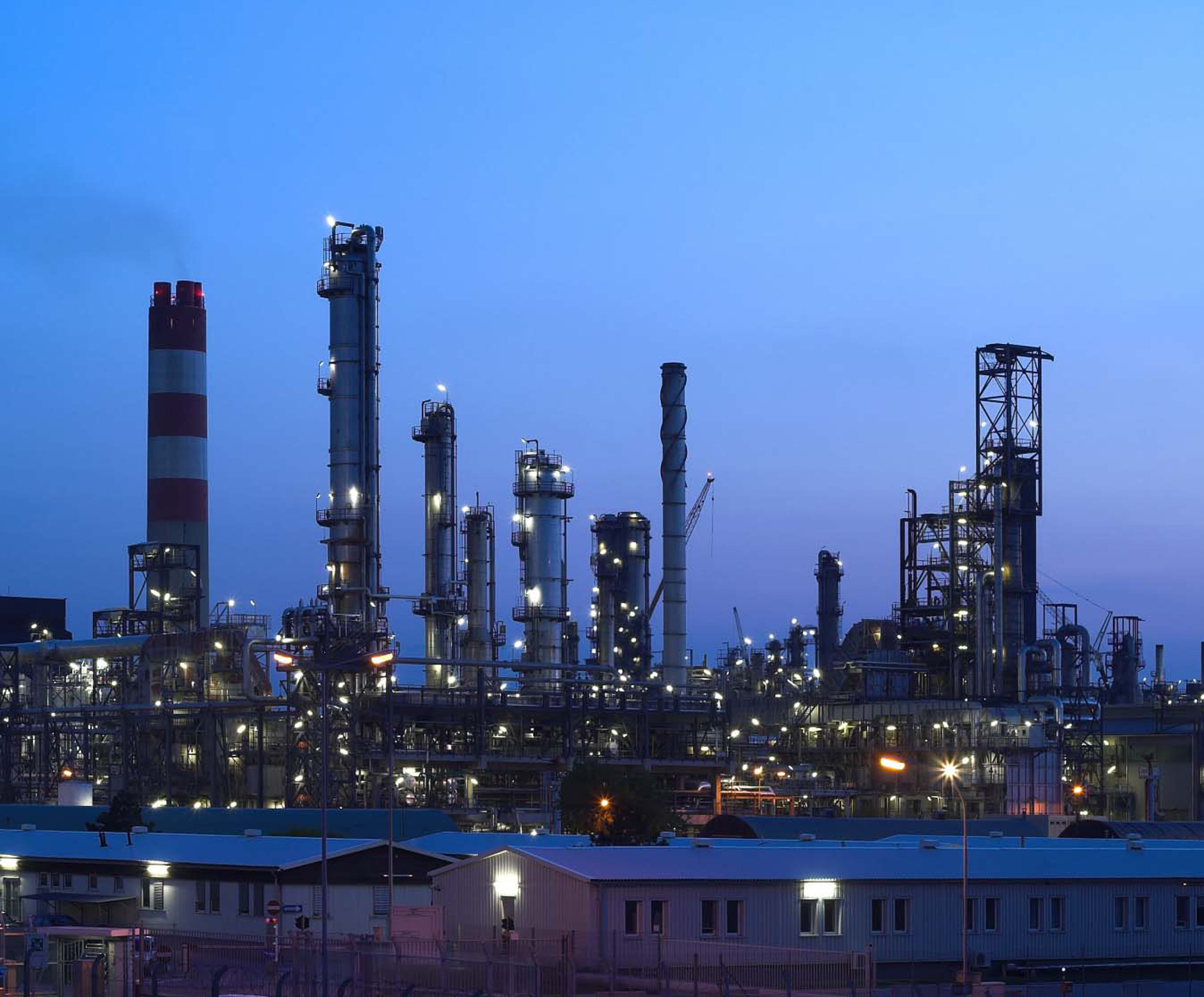 oil-refinery-crop3