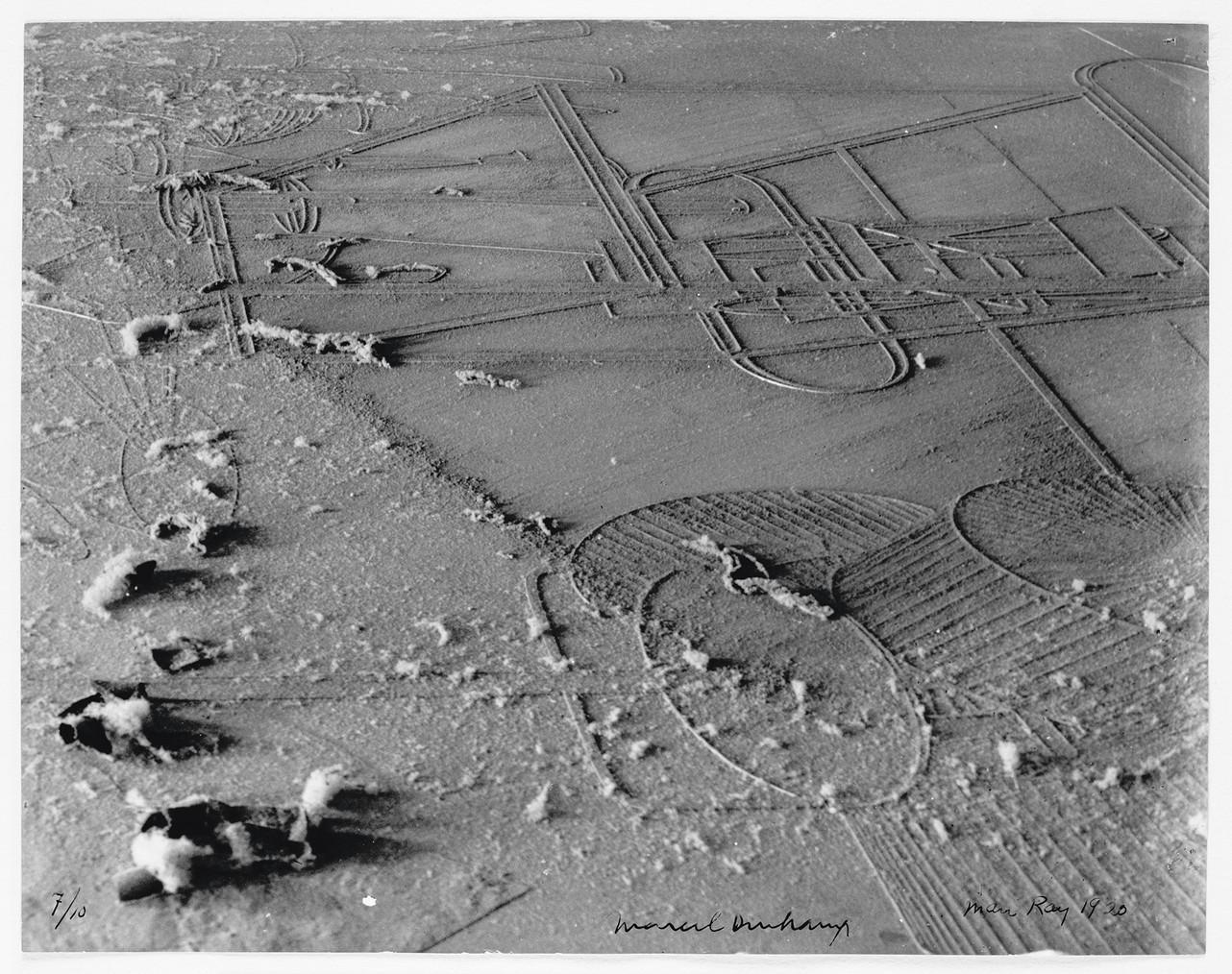 Man Ray / Marcel Duchamp, Dust Breeding, 1920 (printed 1964). Courtesy Galerie Françoise Paviot, Paris.