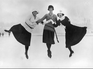Photo: Figure skaters at the 1924 winter Olympics in Chamonix, France, 30th January 1924. Left to right: Herma Planck-Szabo of Hungary, Ethel Muckelt of Britain and Beatrix Loughran of the U.S.A. Planck-Szabo won gold, with Loughran and Muckelt taking silver and bronze respectively. (Photo by Topical Press Agency/Hulton Archive/Getty Images)