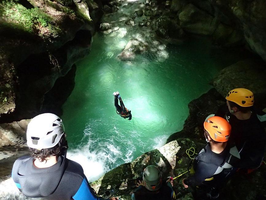 canyon_38_canyoning_via_ferrata_dans_le_vercors_et_à_grenoble_en_isere.jpeg
