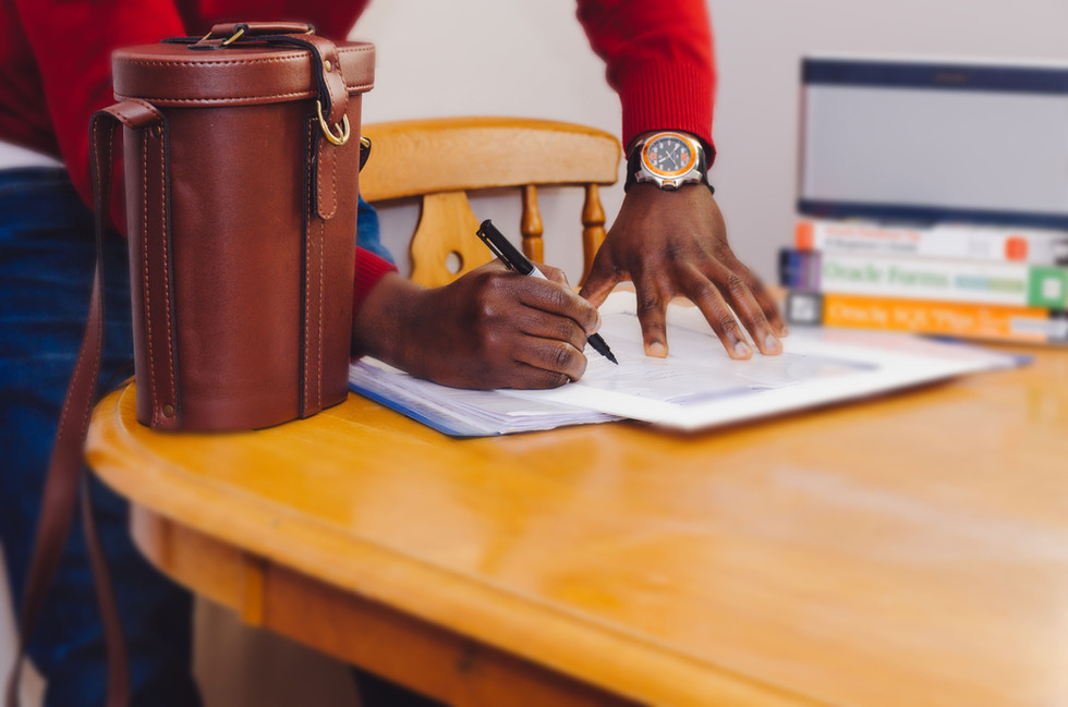 Why do we contract our clients: Thoughts from a Trainee Counsellor