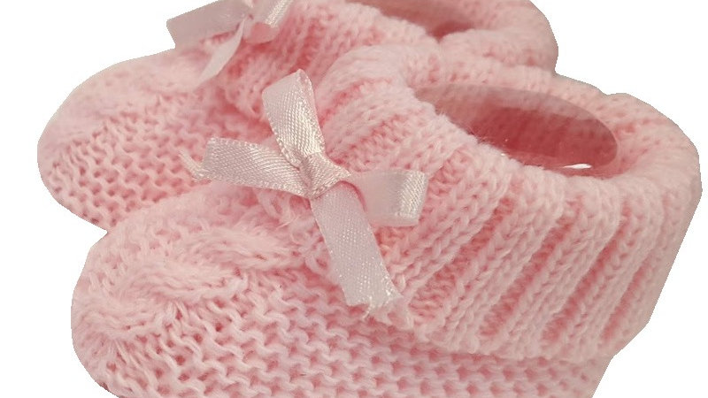 Pair of Knitted booties with bow in pink