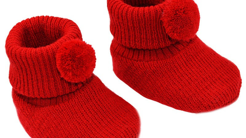 Pom Pom booties in Red