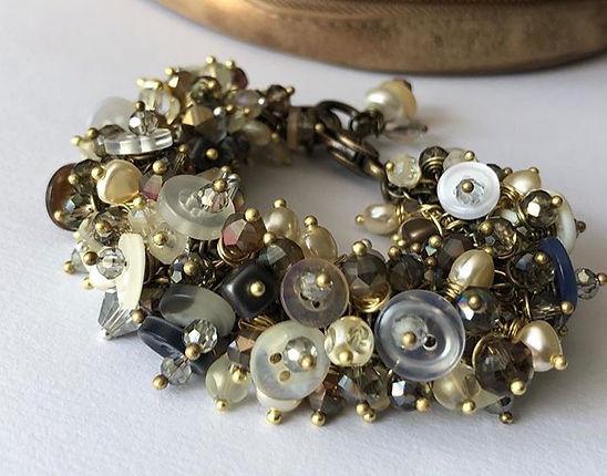 %E2%80%9CRondezvous%E2%80%9D%20%23clusterbracelet%20%23buttonjewelry%20%23avantgardejewelry%20%23fri