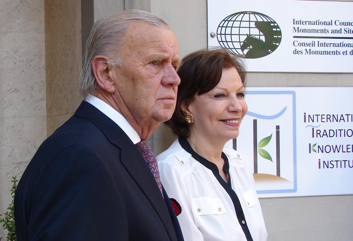 Col. Michael Carrington and Mrs Elizabeth Tsakiroglou