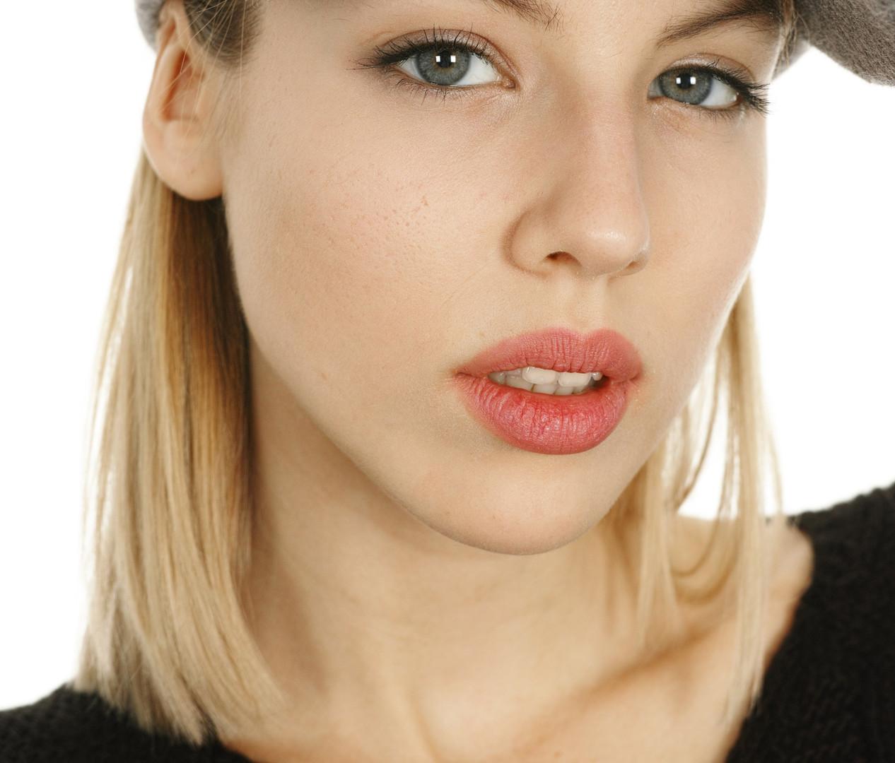 attractive-beautiful-female-532535_edite