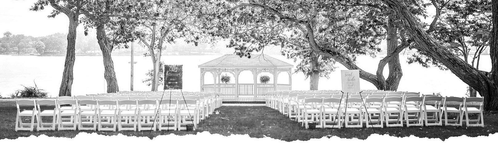 aisle with white bw.jpg