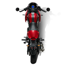 Gentleman_Racer_Red-3.png