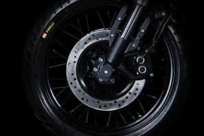 Gentleman_Racer-wheel.jpg