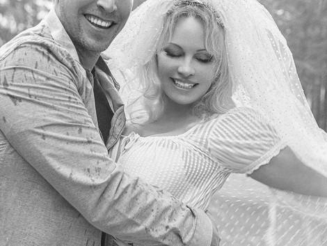 While We Were Sleeping, Pamela Anderson Got Married Again!