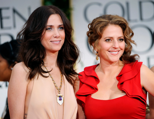 Kristen Wiig and Annie Mumolo Writing Cinderella Stepsisters Film