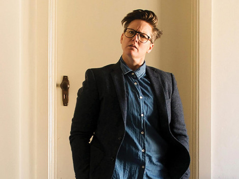 Break-Out Comedian Hannah Gadsby Announces Secret Marriage