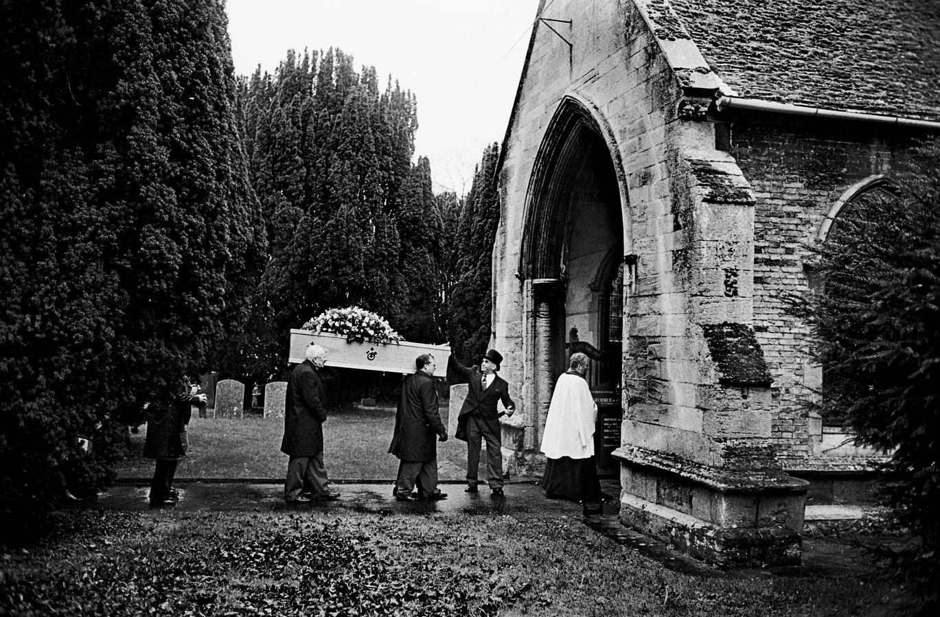 Funeral_12.jpg