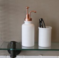 White-Soap-dispenser-Image3