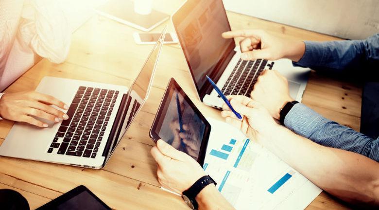 notebook-ferramenta-trabalho-varios-prof