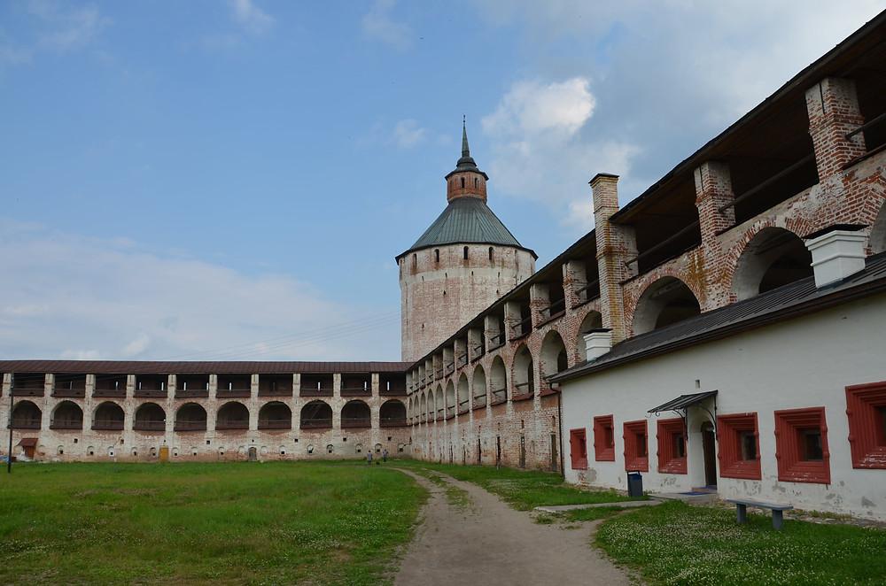 Russie, tourisme, monastère, kirill, kirillov. orthodoxe