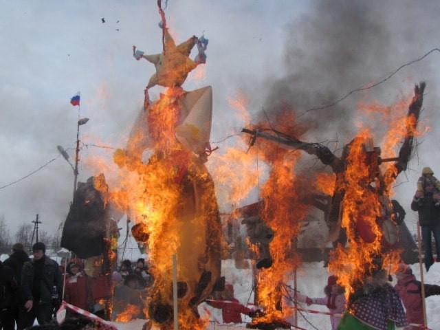 Jostovo, sorcieres, bruler, incendier, solstice