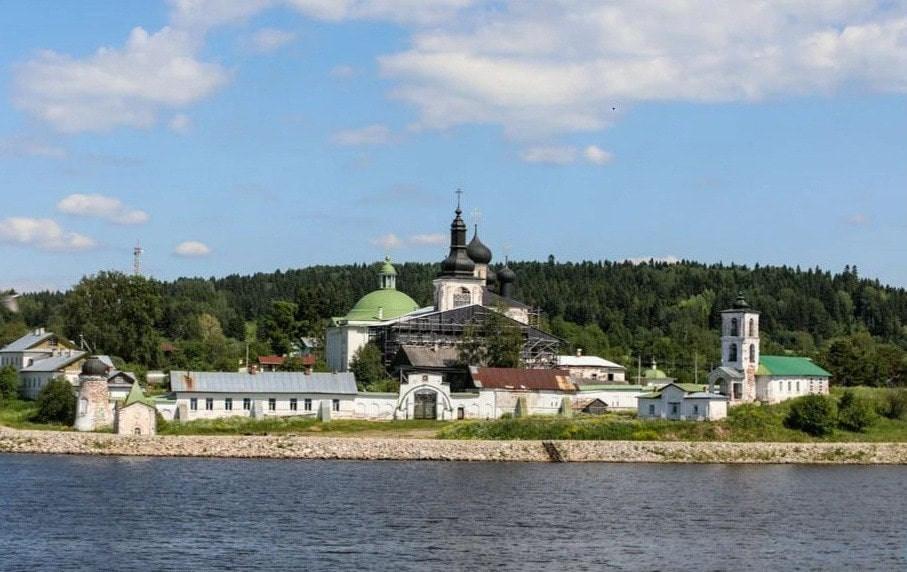Russie, tourisme, couvent pour femmes, nonnes, moinesse, couvent de laresurection