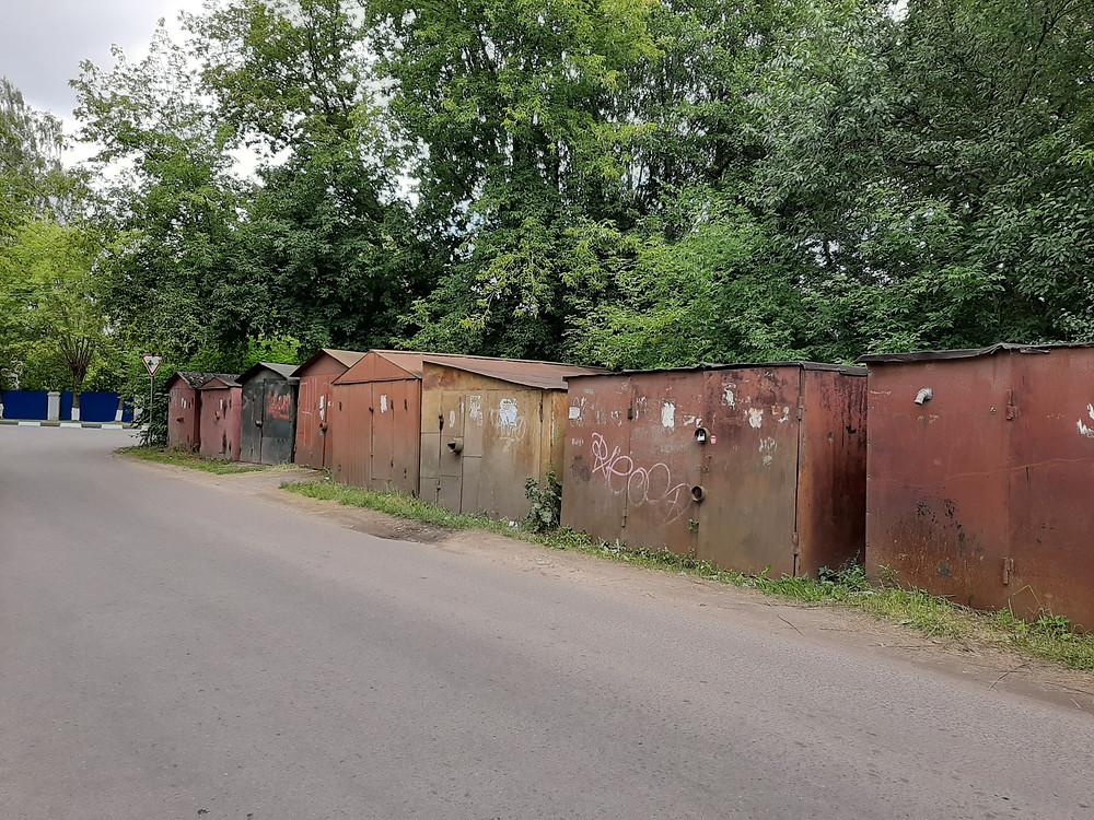 Union Soviétique, URSS, Russie, garages en Russie, abris, ateliers, disparates, irréguliers