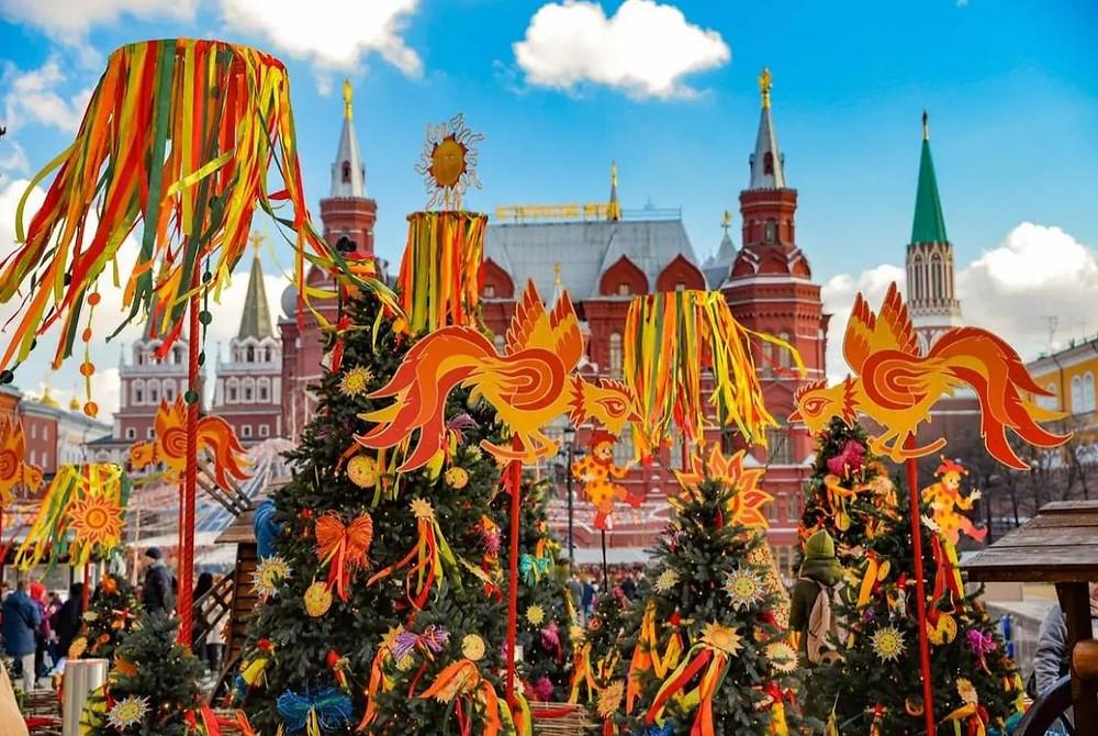 Carnaval, déguisement, masques, défilés