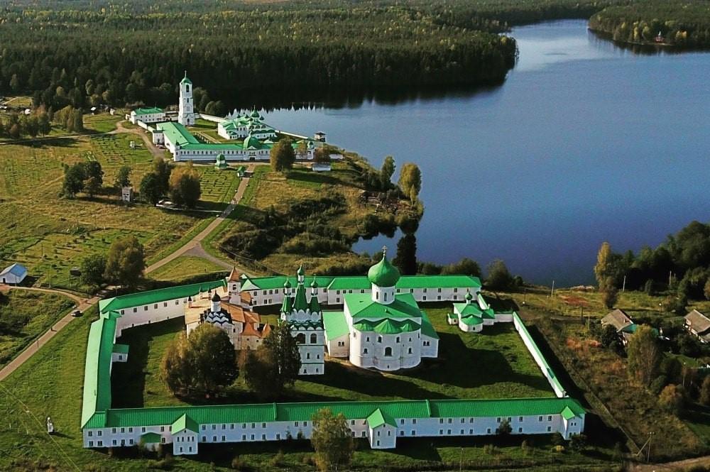 Russie, tourisme, croisière, monastère, vie monacale, moine, ermite, reclus, contemplatif,   religieux frère, anachorète, cénobite, dominicain, benedictin