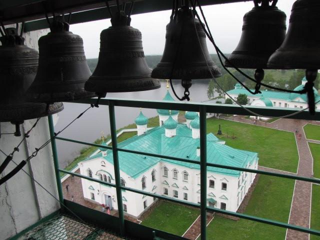 Russie, tourisme, croisière, campanile, cloches, clocher, monastère, moines