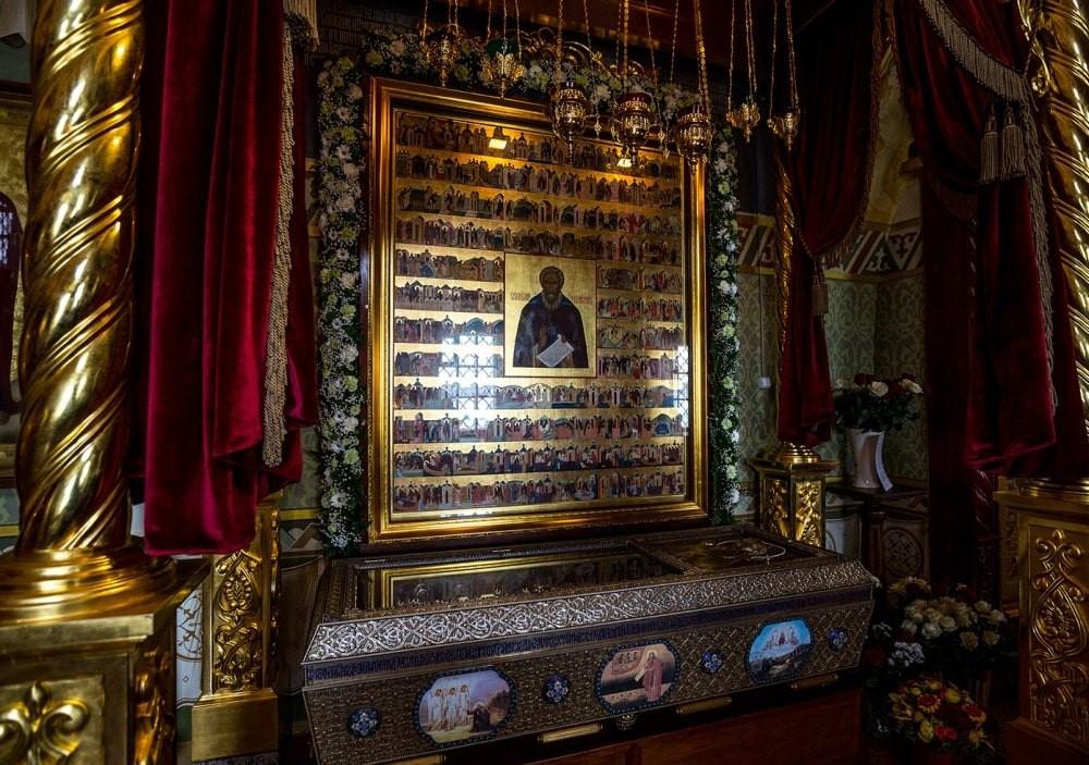 Russie, tourisme, croisière, reliques, momie, dépouille, corps, cadavre